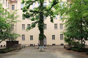 Innenhof der Ernst-Schering-Schule