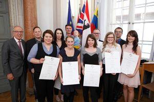 Verleihung der ersten ECOO-Diplome