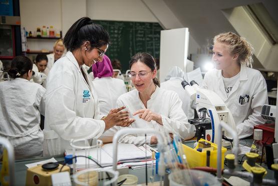 Labor für Analytik der Lebensmittel und Bedarfsgegenstände ©Simone Neumann